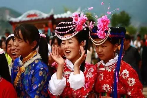 56个少数民族服饰将从这里走向世界 它就在泸沽湖畔