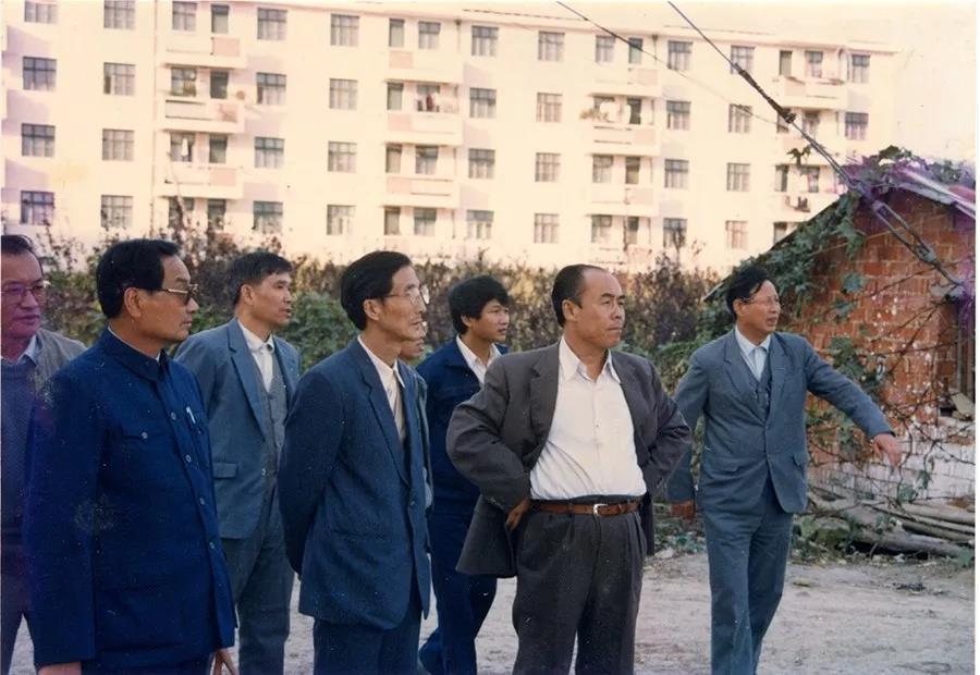 刘万忠5.jpg