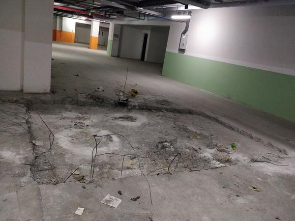 未竣工的地下二层车库.jpg
