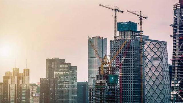什么在支撑2020上半年16省GDP正增长?房地产有效投资成防范失速关键