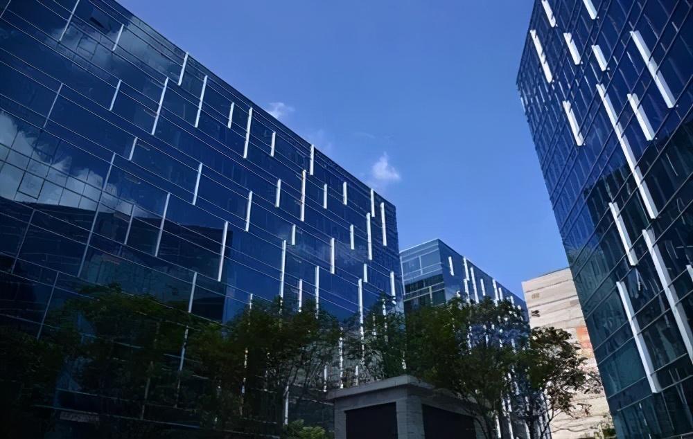 上海写字楼租金和空置率影响因素分析