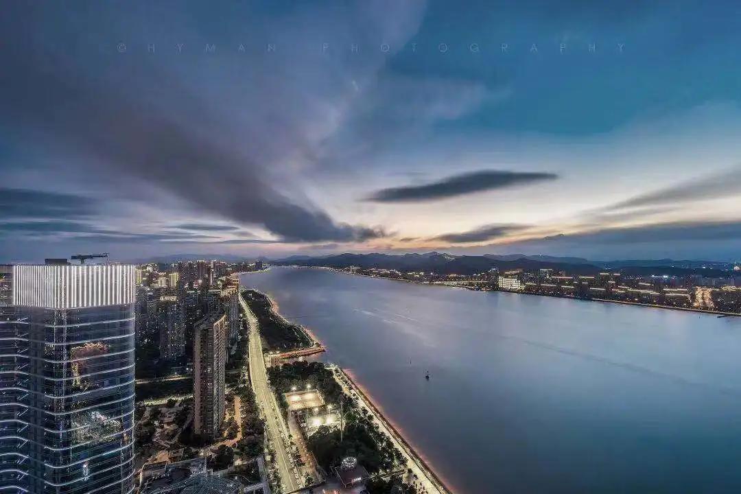 谁能定义临海滨江人居新高度?