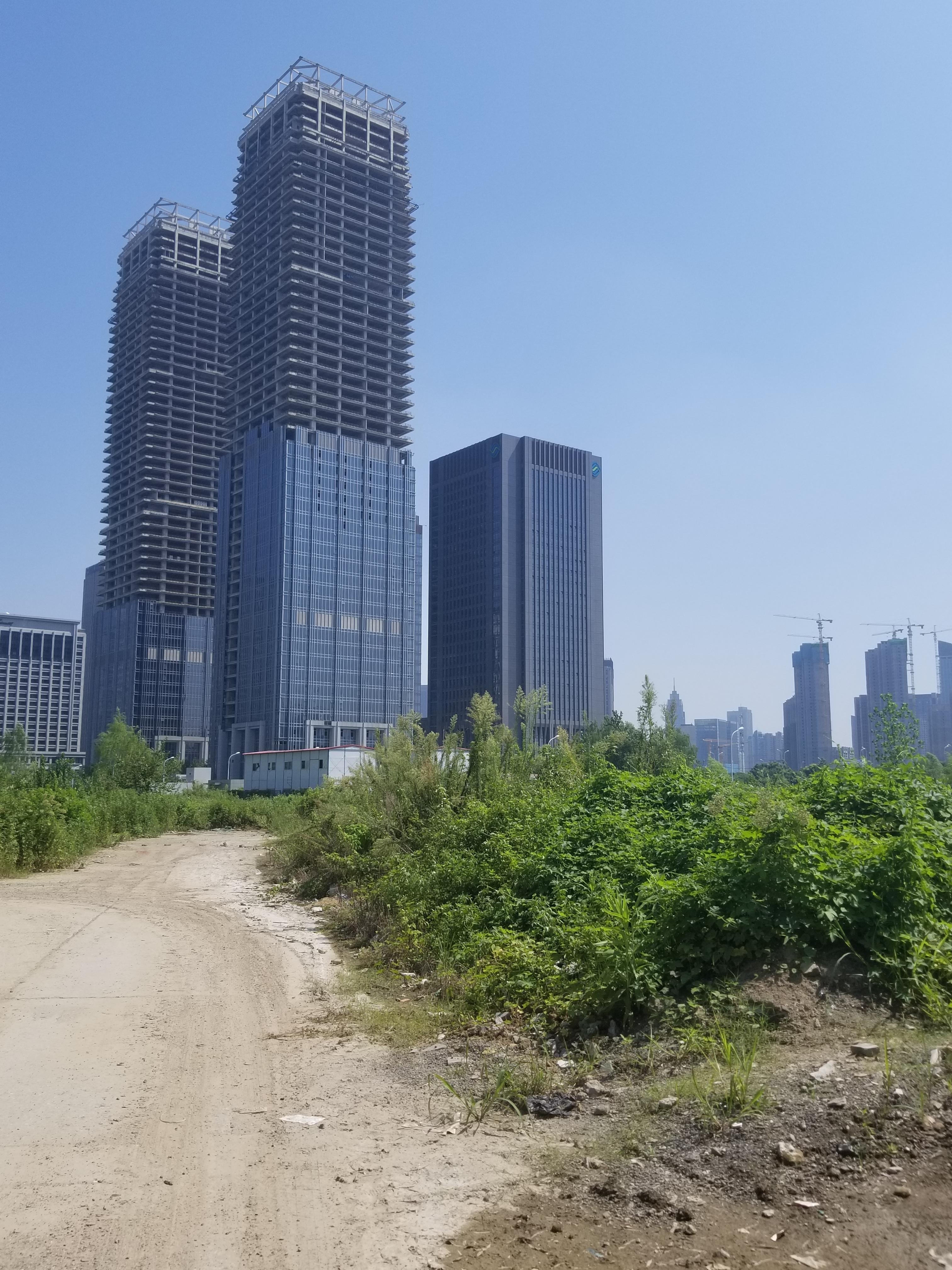 几栋楼处于停工中 (2).jpg